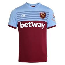 Their new umbro home kit is about as classic as they come, the simplistic claret and blue kit. Umbro West Ham United Home Shirt 2019 2020 Sportsdirect Com