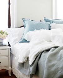 White bed sheets Clean How To Get Whiterthanwhite Sheets Styleathome How To Get Whiterthanwhite Sheets Style At Home