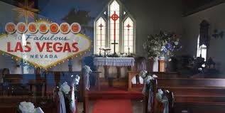 9 great las vegas wedding chapels