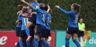 Siamo orgogliosamente testimonial del progetto contro la violenza le. Italia Woman Il Primo Test Con L Islanda Finisce 1 0 Per Sempre Calcio