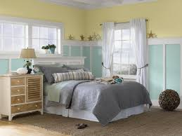 Pale Yellow Bedroom Yellow And Pale Aqua Beach Themed Coastal Bedroom With White Bed