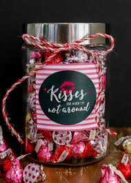 cute and simple valentine s day gift kisses
