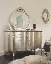 Silver Bedroom Furniture Cottage Furniturechampagne Silver Bedroom Setcarved Fabric King