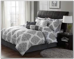 image of grey and white bedding sets pattern