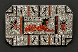Art deco egyptian influence  Art-Deco-interior-PIXERS-blog