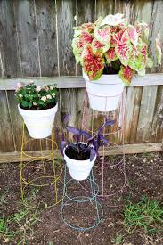 Diy tomato cage Tomato Plants Diy Tomato Cage Plant Stands Love Renovations Diy Plant Stand How To Turn Tomato Cage Into Wire Plant Stand