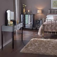 Mirrored Furniture For Bedroom Bedrooms With Mirrored Furniture Bedrooms With Mirrored Furniture