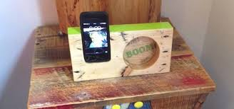 how to make a wooden iphone amplifier from pallet wood