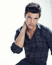 Taylor Lautner - Weight, Height and Age