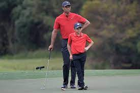 Tiger Woods Gives Son Charlie Big Hug After PNC Championship