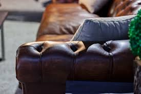 how to choose and a vintage leather sofa