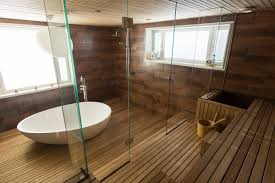Das Badezimmer Mit Holzwänden Böden Und Möbeln Mastella Magazine