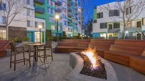 Alt SoMa Square Apartments - Courtyard