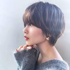 髪型の流行りは丸顔に似合うボブやショートのヘアスタイルまとめ