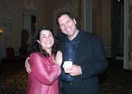 File:Aviva Kempner and Skipp Sudduth, May 2002 (2).jpg - Wikimedia Commons