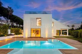 Sapphire Solarium Design Superbly Designed 2 Storey Villa With Solarium For Sale In Nueva Andalucia Marbella