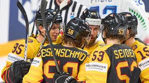 Deutschland bekam es also mit einer italienischen überraschungsmannschaft zu tun. Eishockey Wm 2021 Deutsches Eishockey Team Startet Mit Torfestival Gegen Italien
