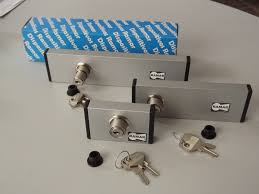 Diferentes Tipos De Correderas De Aluminio Ventana Niño Seguridad Seguros Para Ventanas De Aluminio
