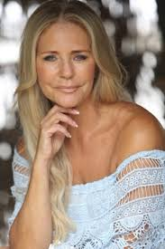 Linda Walton - Women - Lifestyle - Face Model and Casting Agency