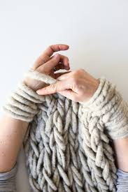 Best 25+ Finger knitting blankets ideas on Pinterest | DIY arm knitting  blanket, Arm knitting blankets and DIY arm knitting video