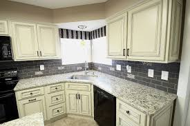 What Color Granite Countertops With White Cabinets Elegant Maple