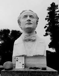 Image result for vaunted magician Harry Houdini  grave
