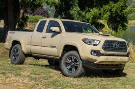 Toyota Tacoma Review & Ratings: Design, Features, Performance ...