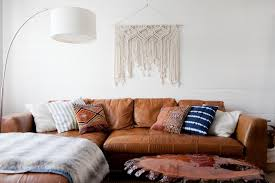 12 ways to decorate above your sofa
