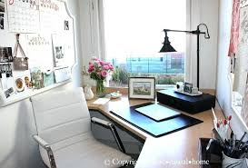 Home office decorating tips Desk Small Administrasite Small Office Decor Small Home Office Decorating Small Office Space