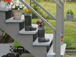 recycling is one of the easiest and economical way of beautifying your outdoor steps the