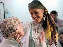 Resultado de imagem para doação de lenços para pessoas com cancer