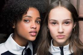 the best makeup looks should make your skin appear not only flawless but naturally so newby hands explains how to achieve perfection with a few expert