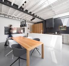Modern Architectural Design Ideas: Le 205, Montreal in Canada by Atelier  Moderno