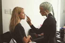 pacificcoastnews makeup artist 12 04 2016 selena gomez 102 7 kiis fm 39 s jingle ball 2016