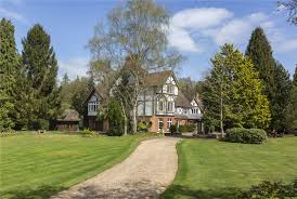 additional photo for property listing at bisgate road englefield green egham surrey