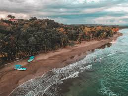 The country's coffee plantations reached nearly 1.4 million bags of 60 kilograms each in 2016/2017, and production is only expected to increase. A Glimpse Into The Pura Vida Lifestyle In Costa Rica Acanela Expeditions