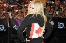 2007 Pop Charts Avril Lavigne Landed Her First Hot 100 No 1 With