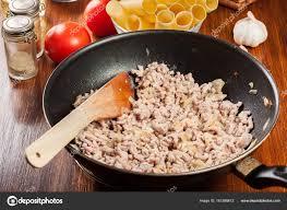фарш лук на сковороде