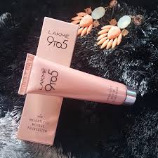 new lakme 9 to5 weightless mousse foundation review