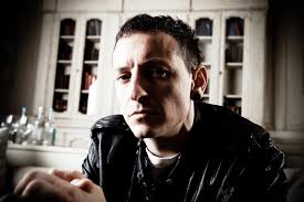 Bennington first gained prominence as a vocalist following the release of linkin park's debut album hybrid theory (2000), which was a worldwide commercial success. Chester Bennington Dead Life In Pictures People Com