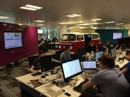 at its new office in manchester autotrader wanted to communicate brand awareness and company values to all employees provide real time monitoring and autotrader london office 1