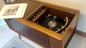 1960's Magnavox console turntable - YouTube