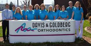 davis and goldberg orthodontics the staff in front of the office