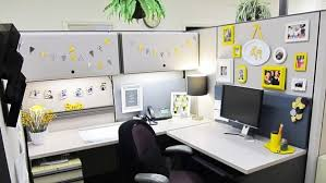 Outstanding How To Decorate An Office At Work 21 On Home Decoration