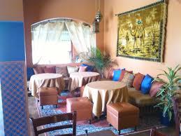 Casbah Restaurant: Low Moroccan style seating at Casablanca Cordova.
