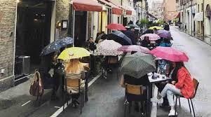 Coprifuoco all'estero: c'è e continua? In Italia oggi il 52 per cento lo  vuole più corto o abolire