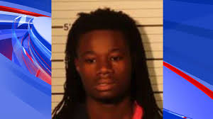 Man arrested after two Memphis carjackings