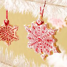 14 DIY Christmas Decorations You'll Have Fun Making