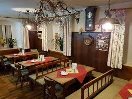 Unsere Urige Bayerische Gaststube Mit Behaglichem Kachelofen