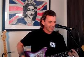Here Is Video Of Bush's Gavin Rossdale Performing Live From His Home -  Blabbermouth.net